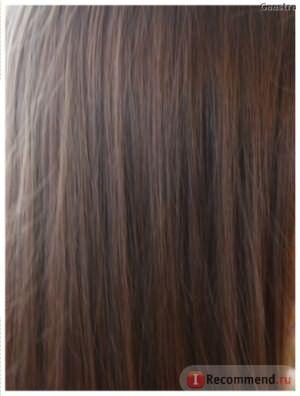 Вот такой оттенок на темных волосах при естественном освещении