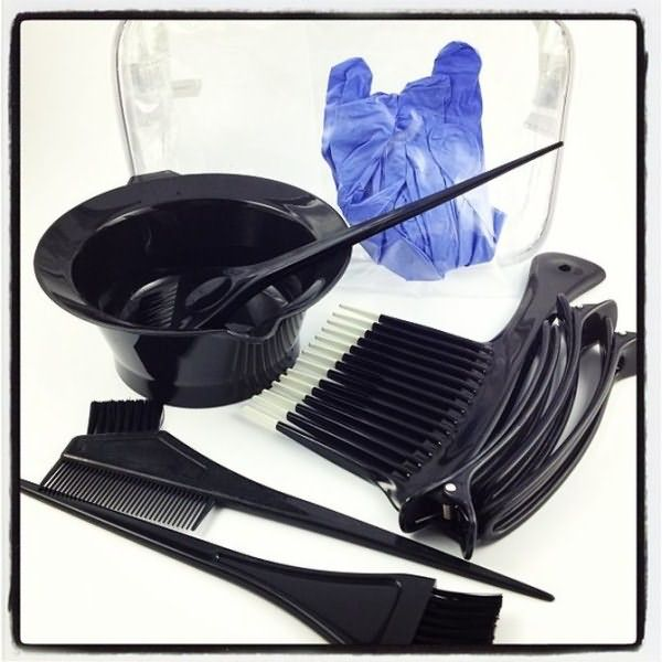 Необходимые инструменты для проведения процедуры окрашивания корней