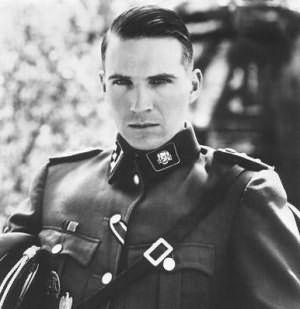 Офицер СС со стрижкой гитлерюгенд