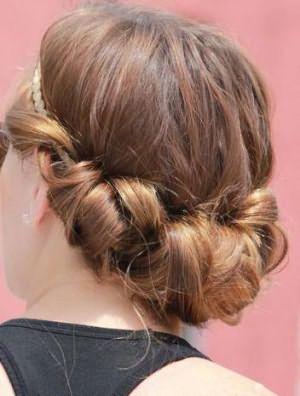 прически с убранными волосами на выпускной фото