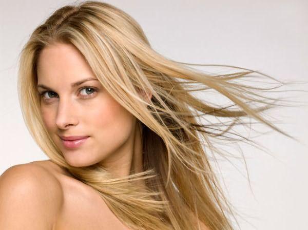 Современные блондинки имеют немало возможностей сохранить оттенок идеальным!