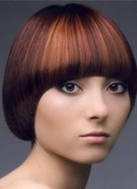 Стрижка паж на короткие волосы 2