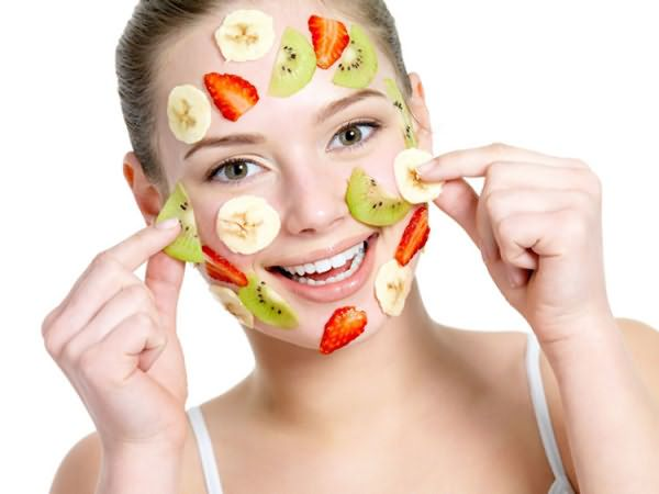 Хорошие результаты дают маски из свежих фруктов