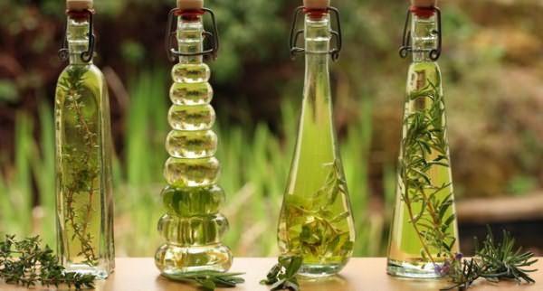 Бутылки с розмариновым маслом