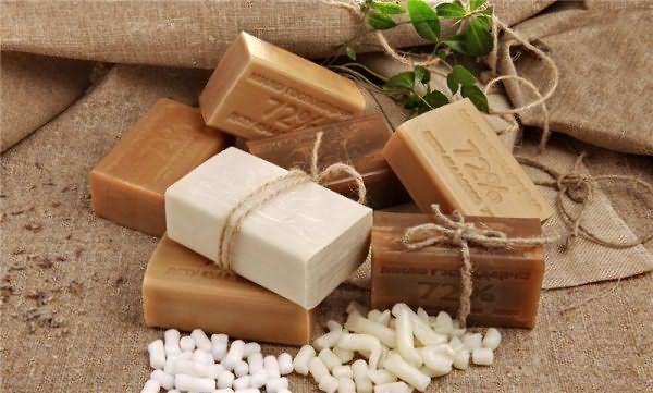 Инструкция по приготовлению мызоли рекомендует использовать коричневое хозяйственное мыло без отбеливающих добавок