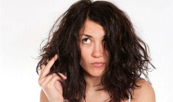 Перед тем как стричь волосы самой себе, подумайте о последствиях и эффективности такого шага