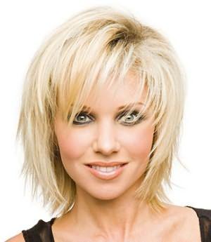 Даже редкие волосы могут выглядеть эффектно, если прическа подобрана правильно