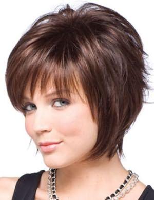 Каскадная стрижка для полного лица и тонких волос средней длины