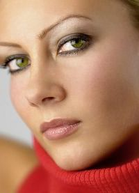 макияж для зеленых глаз и русых волос 6
