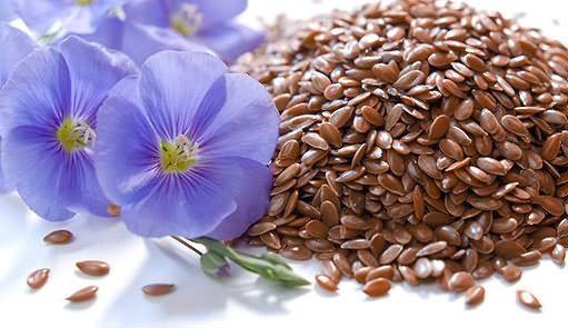 Прекрасный кондиционер получается на основе семян льна запаренных кипятком и смешанных с различными маслами.