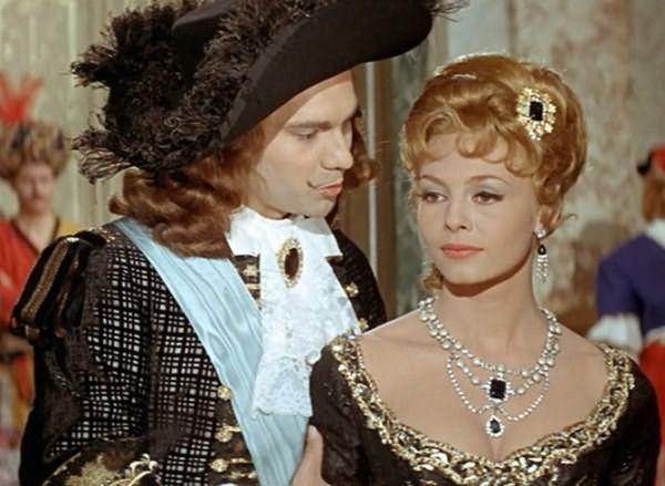 Эпоха барокко не обошлась без массивных и дорогих аксессуаров для волос