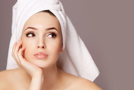 Как получить качественный и быстрый результат? Утепление головы во время окрашивания поможет этого добиться.