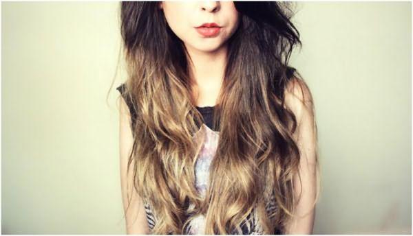 На фото: омбре на темных волосах – необычный, но привлекательный метод окрашивания