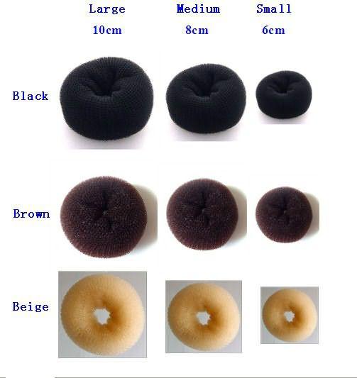 Размер бублика выбирайте в зависимости от длины волос (цена – от 120 руб.)