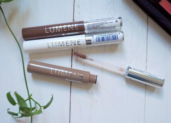 Eyebrow Wax Lumene представлен в трех оттенках, два из которых пигментированы
