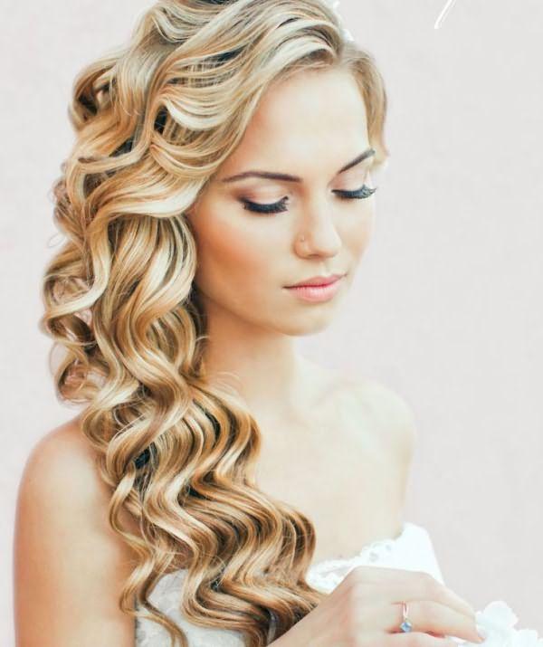 Завитые длинные волосы
