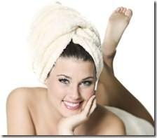 Для эффективности процедуры утеплите голову полотенцем