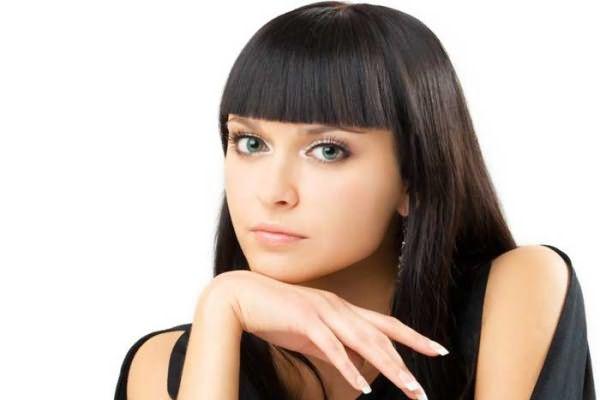 Многие женщины стремятся выпрямить локоны