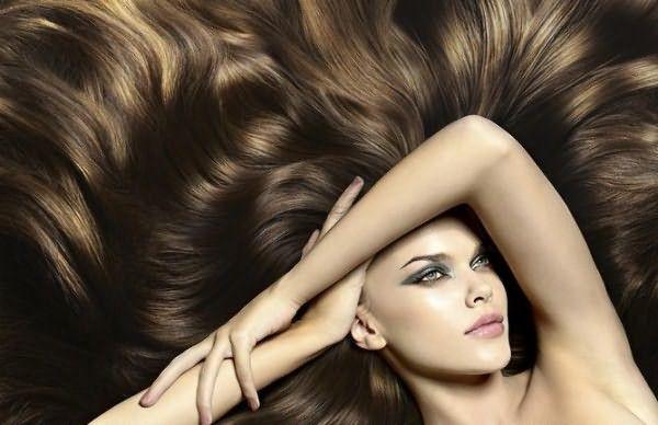 Шоколадные цвета волос очень популярны в этом сезоне.
