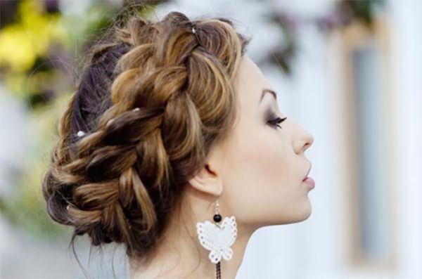 Прическа корона
