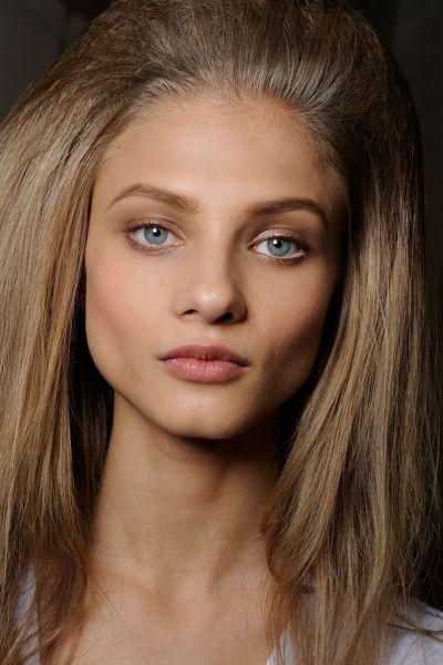 Цвет волос светло-светло русый бежевый смотрится восхитительно