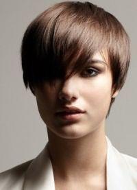 прически стрижки для тонких волос 12