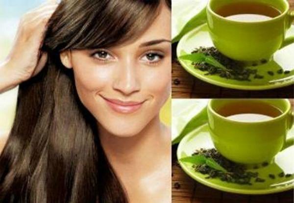 Полоскание после мытья крепкой чайной заваркой укрепляет и восстанавливает пряди
