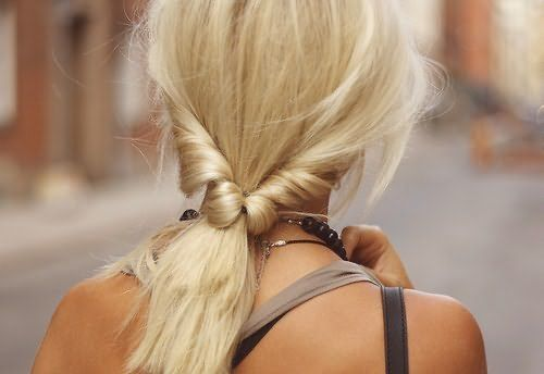 Сливочный блонд справедливо можно назвать наиболее универсальным цветом для теплого и холодного цветотипа